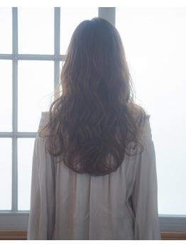 ロングスタイルにパーマを☆【銀座美容室】