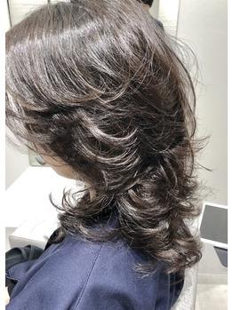 巻かないでもいいヘアーデザイン